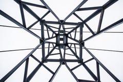Torre do ferro disparada de baixo de imagens de stock