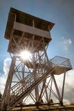 Torre do ponto de vista em Poonhill 3.210 m , Nepal com sunlig Imagens de Stock