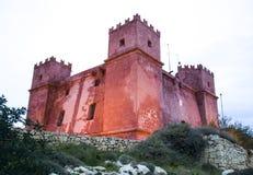 Torre do St Agatha ou torre vermelha em Mellieha, Malta Imagens de Stock