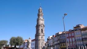 Torre Dos Clerigos/torre de Clerigos en Oporto, Portugal imagenes de archivo
