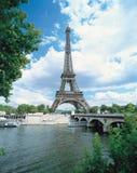 Torre e água Imagem de Stock Royalty Free