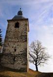Torre e árvore de igreja Fotografia de Stock Royalty Free