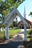 Torre e cemitério da igreja Imagem de Stock