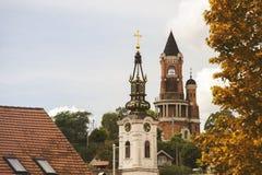 Torre e igreja ortodoxa de Gardos em Zemun, Sérvia Fotos de Stock Royalty Free