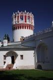 Torre e parede de NOVODEVICHY Fotografia de Stock Royalty Free
