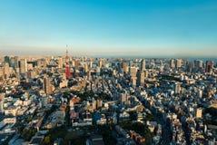 Torre e skyline do Tóquio no crepúsculo de Roppongi Hills Foto de Stock Royalty Free