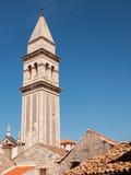 Torre e tetti, Croazia Immagine Stock Libera da Diritti