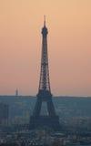 Torre Eiffel avec la pollution Photos stock