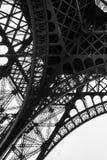 Torre Eiffel blanco y negro en la ciudad de París Francia Fotos de archivo