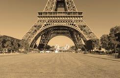 Torre Eiffel con el filtro de la sepia, París Francia Imágenes de archivo libres de regalías