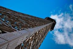 Torre Eiffel con la nube Imagenes de archivo