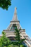 Torre Eiffel contro un cielo blu III Immagine Stock Libera da Diritti