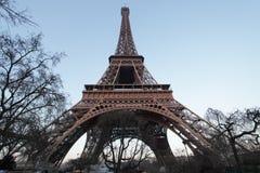 Torre Eiffel da parte inferior Foto de Stock