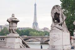 Torre Eiffel da una distanza Fotografia Stock