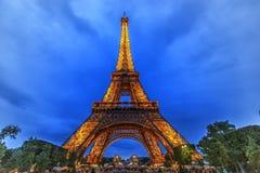 Torre Eiffel de Paris na noite Fotografia de Stock