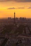 Torre Eiffel di Parigi alla vista di tramonto da Montparnasse Immagini Stock