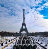 Torre Eiffel di Snowy - di Parigi Fotografia Stock