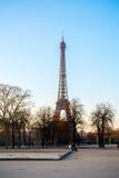 Torre Eiffel durante o por do sol Fotografia de Stock