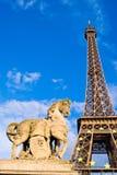 Torre Eiffel e monumento fotografie stock
