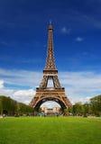 A torre Eiffel em Paris Fotos de Stock