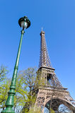 A torre Eiffel em Paris Fotos de Stock Royalty Free