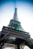 Torre Eiffel em Paris com símbolo da estrela de Europa Foto de Stock Royalty Free
