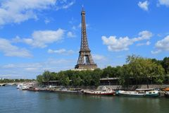 A torre Eiffel em Paris, France Imagens de Stock Royalty Free