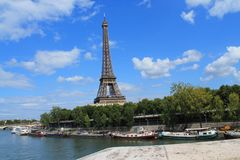 Torre Eiffel em Paris, France Fotografia de Stock Royalty Free
