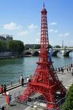 Torre Eiffel em Plages de Paris Fotografia de Stock Royalty Free