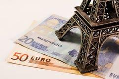 Torre Eiffel en el dinero Imágenes de archivo libres de regalías