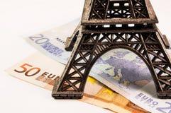 Torre Eiffel en el dinero Foto de archivo libre de regalías