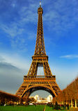 Torre Eiffel en la hora solar - París Fotos de archivo libres de regalías