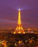 Torre Eiffel en la oscuridad, París Fotografía de archivo
