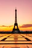 Torre Eiffel en la salida del sol, París Imagen de archivo