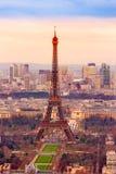 Torre Eiffel en la salida del sol, París Imágenes de archivo libres de regalías