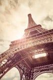 Torre Eiffel en luz del sol Fotografía de archivo libre de regalías
