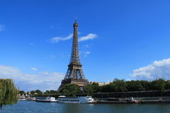 Torre Eiffel en París, Francia Imagen de archivo libre de regalías