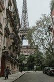 Torre Eiffel en resorte Foto de archivo libre de regalías
