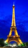 Torre Eiffel entro Night Immagine Stock Libera da Diritti