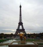 Torre Eiffel hermosa en París Imágenes de archivo libres de regalías