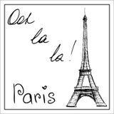 Torre Eiffel La parola Parigi Su una priorità bassa bianca Fotografia Stock Libera da Diritti