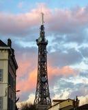 Torre Eiffel metálica de las telecomunicaciones en Lyon, Francia Imagen de archivo