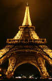 Torre Eiffel na noite, Paris. fotografia de stock royalty free