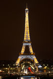 Torre Eiffel na noite, Paris Fotos de Stock Royalty Free
