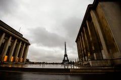 Torre Eiffel nel giorno piovoso Immagini Stock