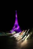 Torre Eiffel nella notte a Parigi Immagini Stock