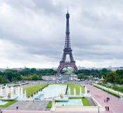 Torre Eiffel no dia Fotos de Stock Royalty Free