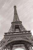 Torre Eiffel no sepia imagens de stock royalty free