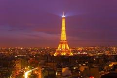 Torre Eiffel a penombra, Parigi Fotografia Stock