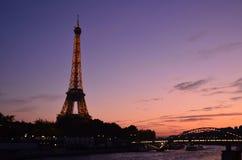 Torre Eiffel, por do sol fotografia de stock
